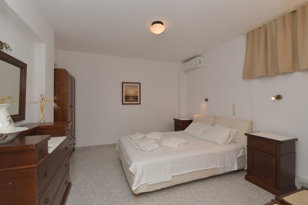 bocamvigliesrooms_hotel_paros_Greece_010