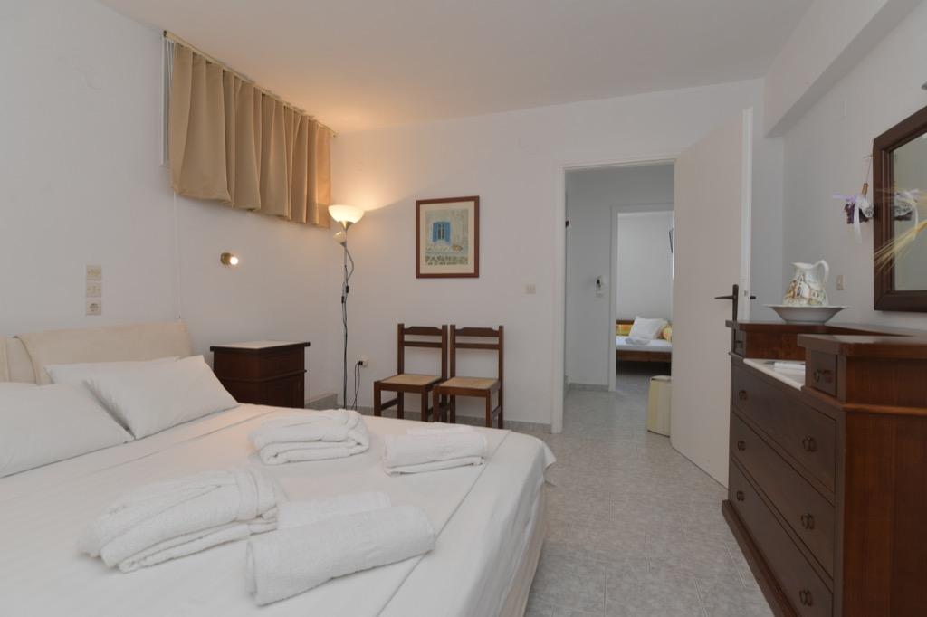 bocamvigliesrooms_hotel_paros_Greece_011